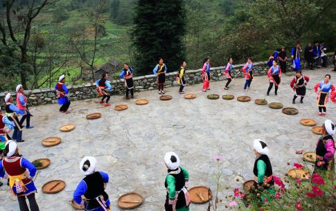 """""""环山鸡节"""",尔苏藏族的金秋""""年节"""""""